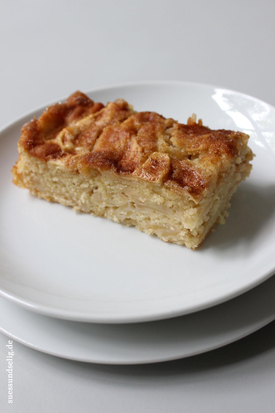 schwedischer apfelkuchen nach omas rezept saftiger geht 39 s nicht suessundselig. Black Bedroom Furniture Sets. Home Design Ideas