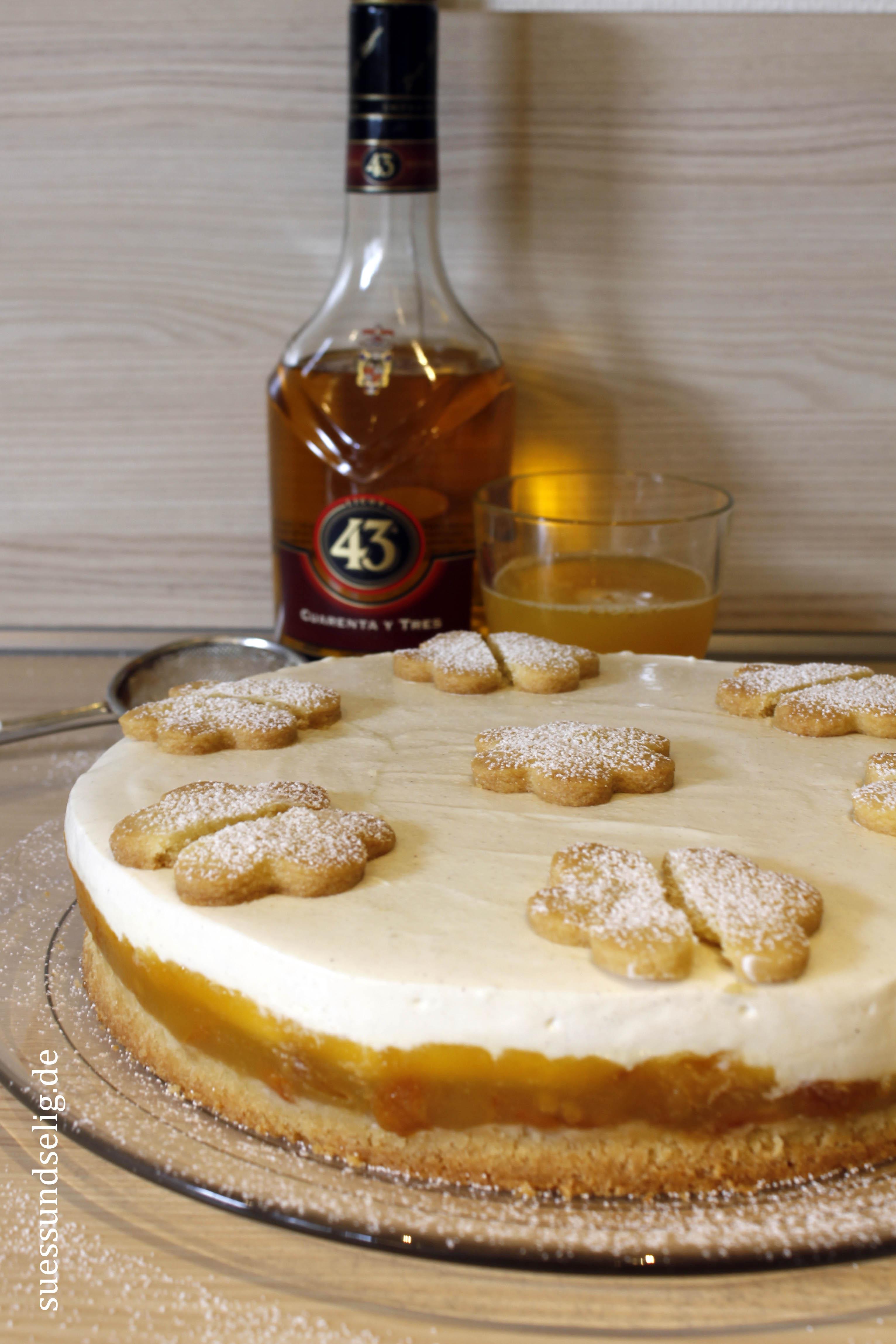 Maracuja-Vanille-Torte mit Aprikosen