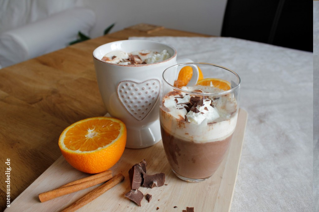 Heiße Weihnachts-Schokolade