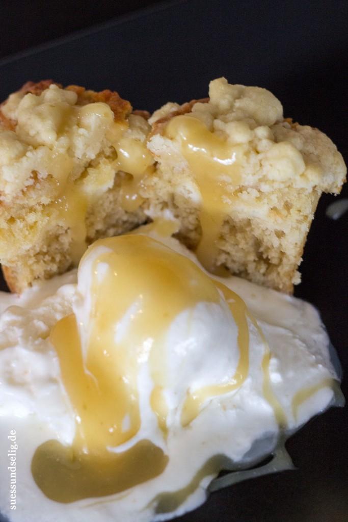 Zitronen-Muffins mit Frischkäsefüllung und Lemon Curd